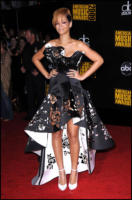 Rihanna - 22-11-2009 - Rihanna lancia il nuovo singolo scelto dai fan su Twitter