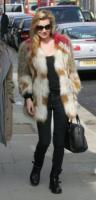 Kate Moss - Londra - 15-03-2011 - Kate Moss, non è tutto nero quel che indossa…
