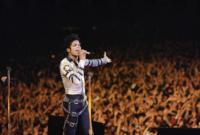 Michael Jackson - Los Angeles - 26-06-2009 - I tifosi del Fulham hanno chiesto la rimozione della statua di Michael Jackson