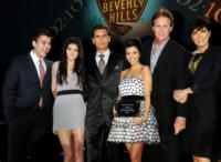 Robert Kardashian, Scott Disick, Kourtney Kardashian, Kris Jenner - Beverly Hills - 02-09-2010 - Rob Kardaschian ricoverato per un intervento di appendicite