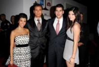 Robert Kardashian, Kylie Jenner, Scott Disick, Kourtney Kardashian - Beverly Hills - 02-09-2010 - Rob Kardaschian ricoverato per un intervento di appendicite