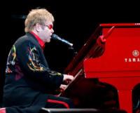 Elton John - Rotterdam - 18-10-2009 - Messaggi d'affetto da tutto lo star business per la diva Liz Taylor scomparsa ieri