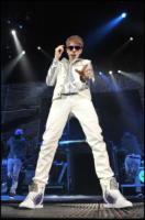 Justin Bieber - Parigi - 30-03-2011 - Justin Bieber testimonial Peta per l'adozione degli animali