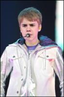 Justin Bieber - Parigi - 30-03-2011 - Justin Bieber sara' forse la versione giovane di Ashton Kutcher in un film