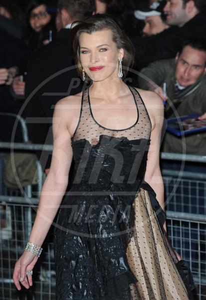 Milla Jovovich - Londra - 30-03-2011 - I segreti delle dive non sono più coperti…dal vestito