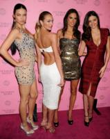 Candice Swanepoel, Miranda Kerr, Adriana Lima, Alessandra Ambrosio - Hollywood - 30-03-2011 - Miranda Kerr e Photoshop: troppa vanità o solo una gaffe?