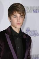 Justin Bieber - Los Angeles - 03-04-2011 - Justin Bieber testimonial Peta per l'adozione degli animali