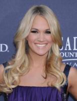 """Carrie Underwood - Las Vegas - 03-04-2011 - Carrie Underwood vuole adottare, ma tra """"anni"""""""