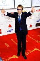 Robin Gibb - Londra - 05-02-2011 - Il cantante dei Bee Gees Robin Gibb è stato dimesso dall'ospedale
