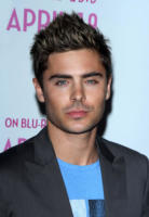 Zac Efron - West Hollywood - 07-04-2011 - High School Musical, in arrivo il quarto capitolo