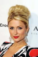 Paris Hilton - Santa Monica - 09-04-2011 - Paris Hilton aggredita sulla strada per il tribunale