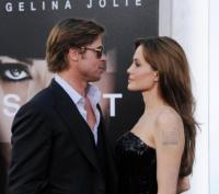 Angelina Jolie, Brad Pitt - Hollywood - 19-07-2010 - Woodley-James: quando il set e' galeotto