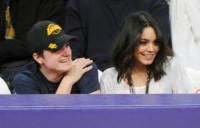 Josh Hutcherson, Vanessa Hudgens - Los Angeles - 27-03-2011 - Woodley-James: quando il set e' galeotto