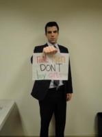 Zachary Quinto - Los Angeles - 12-04-2011 - Zachary Quinto si dichiara gay