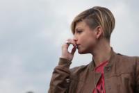 Emma Marrone - Roma - 17-04-2011 - Star come noi: beccati con le dita nel naso!