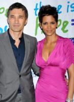 Olivier Martinez, Halle Berry - Beverly Hills - 17-04-2011 - Halle Berry e Olivier Martinez forse fidanzati
