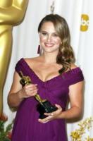 Natalie Portman - Hollywood - 27-02-2011 - La controfigura di Natalie Portman in Black Swan continua la sua campagna contro l'attrice