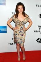 """Anna Kendrick - New York - 21-04-2011 - Anna Kendrick da perfettina a liceale """"fuori dal coro"""""""