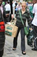 Anastacia - Londra - 29-07-2010 - Star come noi: la vita reale è fatta di commissioni