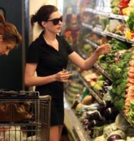 Anne Hathaway - West Hollywood - 26-10-2008 - Quando vegetariano fa rima con bellezza