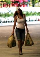 Halle Berry - Hollywood - 15-06-2006 - Star come noi: la vita reale è fatta di commissioni