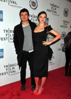 Miranda Kerr, Orlando Bloom - New York - 22-04-2011 - Orlando Bloom marito romantico