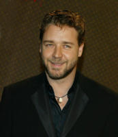 Russell Crowe - Los Angeles - 29-12-2010 - Russell Crowe diventa regista per il poliziesco 77