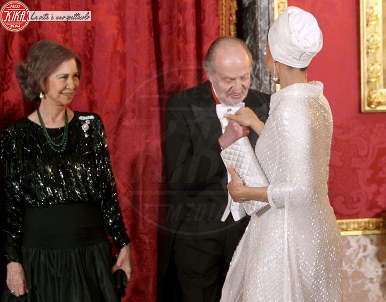 Juan Carlos  di Spagna, Sheikha Mozah, Sofia di Spagna - Madrid - 25-04-2011 - Romanticismo: la chiave per entrare nel cuore delle donne