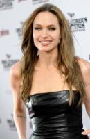 Angelina Jolie - Hollywood - 03-04-2011 - Angelina Jolie è la nuova testimonial di Louis Vuitton