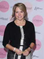 Katie Couric - Beverly Hills - 06-12-2010 - Katie Couric lascia le news del canale Cbs