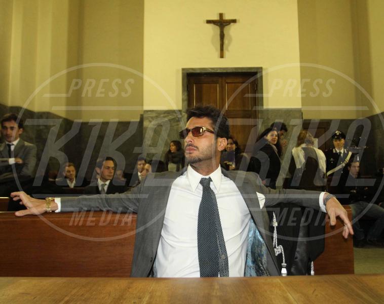 Fabrizio Corona - Milano - 02-12-2010 - D'Alessio a giudizio per evasione, ma quanti non pagano le tasse