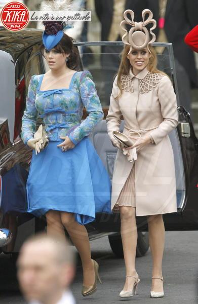 Principessa  Beatrice di York, Principessa Eugenia di York - Londra - 01-05-2011 - La principessa Beatrice mette all'asta il cappello delle nozze