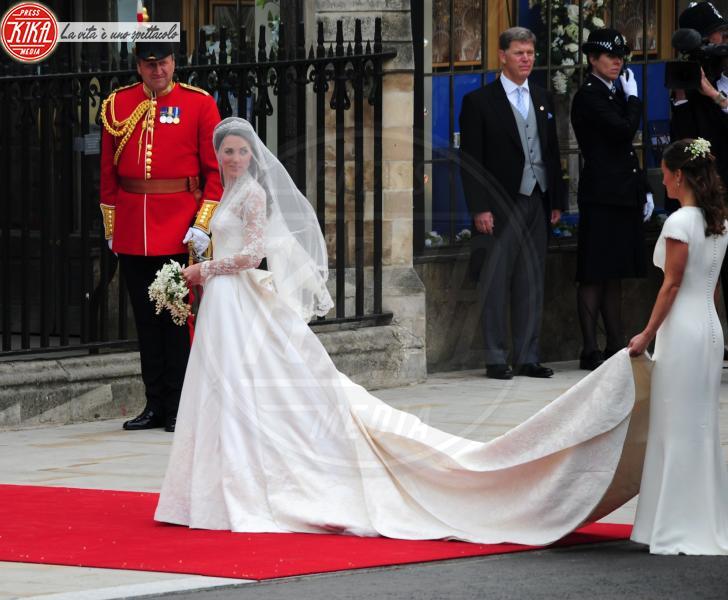 Kate Middleton, Pippa Middleton - Londra - 29-04-2011 - Pippa Middleton: tutti i numeri del matrimonio (da 300mila euro)