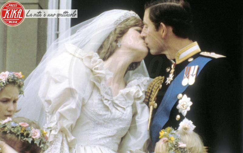 Principe Carlo d'Inghilterra, Lady Diana - Londra - Il Principe Carlo è gay: lo scoop del Globe