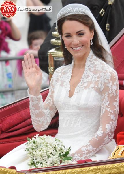 Kate Middleton - Londra - 29-04-2011 - Da Kate a Lady D, gli abiti da sposa Windsor più belli
