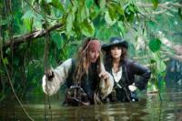 Johnny Depp, Penelope Cruz - Pirati dei caraibi - Cannes - 03-05-2011 - Johnny Depp nel remake di The thin man