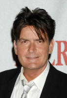 Charlie Sheen - Los Angeles - 14-03-2011 - L'attore Charlie Sheen organizzerà una raccolta fondi per le vittime del tornado in Alabama