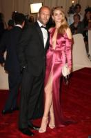 Rosie Huntington-Whiteley, Jason Statham - New York - 02-05-2011 - Il Metropolitan Museum rende omaggio allo stilista Alexander McQueen durante l'annuale Costume Institute Gala Benefit