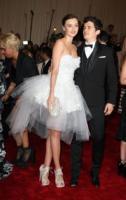 Miranda Kerr, Orlando Bloom - New York - 02-05-2011 - Il Metropolitan Museum rende omaggio allo stilista Alexander McQueen durante l'annuale Costume Institute Gala Benefit