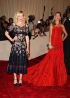 Kirsten Dunst, Gisele Bundchen - New York - 02-05-2011 - Il Metropolitan Museum rende omaggio allo stilista Alexander McQueen durante l'annuale Costume Institute Gala Benefit