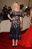 Kirsten Dunst - New York - 02-05-2011 - Il Metropolitan Museum rende omaggio allo stilista Alexander McQueen durante l'annuale Costume Institute Gala Benefit