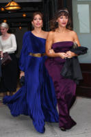 Rashida Jones, Eva Mendes - New York - 02-05-2011 - Il Metropolitan Museum rende omaggio allo stilista Alexander McQueen durante l'annuale Costume Institute Gala Benefit