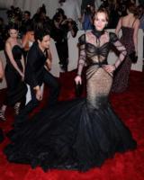 Christina Ricci - New York - 02-05-2011 - Il Metropolitan Museum rende omaggio allo stilista Alexander McQueen durante l'annuale Costume Institute Gala Benefit