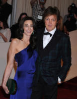 Nancy Shevell, Paul McCartney - New York - 02-05-2011 - Il Metropolitan Museum rende omaggio allo stilista Alexander McQueen durante l'annuale Costume Institute Gala Benefit