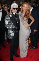 Karl Lagerfeld, Blake Lively - New York - 02-05-2011 - Il Metropolitan Museum rende omaggio allo stilista Alexander McQueen durante l'annuale Costume Institute Gala Benefit