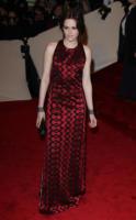 Kristen Stewart - New York - 02-05-2011 - Il Metropolitan Museum rende omaggio allo stilista Alexander McQueen durante l'annuale Costume Institute Gala Benefit