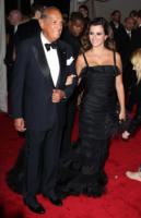 Oscar de La Renta, Penelope Cruz - New York - 02-05-2011 - Il Metropolitan Museum rende omaggio allo stilista Alexander McQueen durante l'annuale Costume Institute Gala Benefit