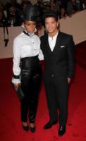 Bruno Mars, Janelle Monae - New York - 02-05-2011 - Il Metropolitan Museum rende omaggio allo stilista Alexander McQueen durante l'annuale Costume Institute Gala Benefit