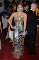Bar Refaeli - New York - 02-05-2011 - Il Metropolitan Museum rende omaggio allo stilista Alexander McQueen durante l'annuale Costume Institute Gala Benefit
