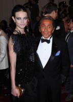 Valentino Garavani, Natalia Vodianova - New York - 02-05-2011 - Il Metropolitan Museum rende omaggio allo stilista Alexander McQueen durante l'annuale Costume Institute Gala Benefit